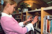 woman-browsing-books.jpg